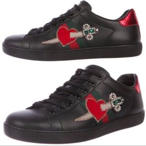 🖤 GUCCI Heart Dagger Ace Black Sneakers